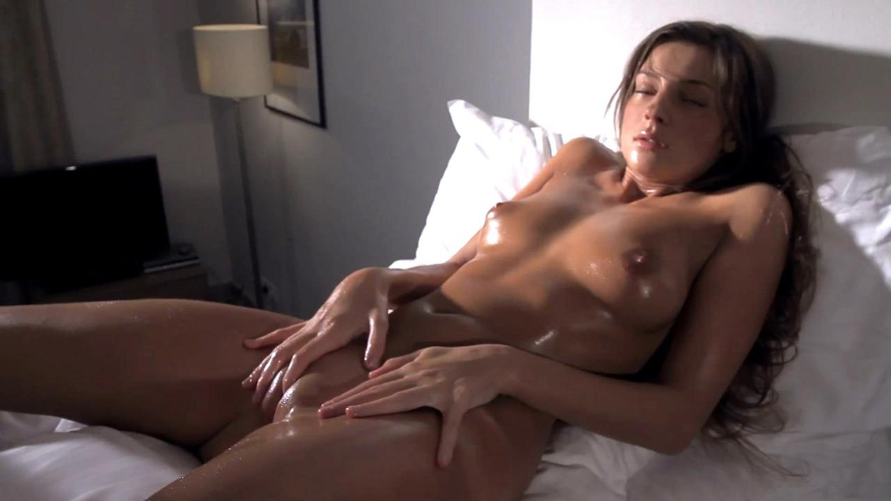 hot brunette masterbating
